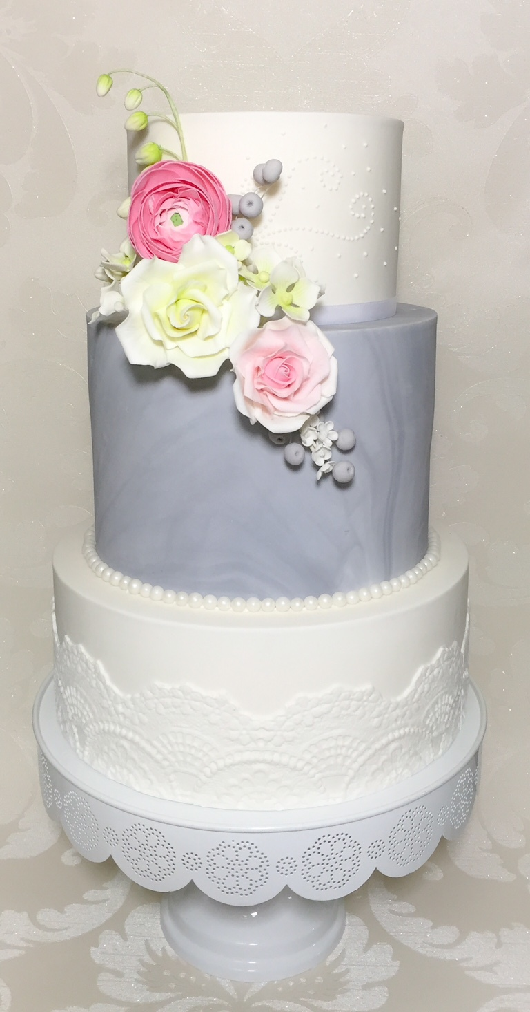 White and marbled gray wedding