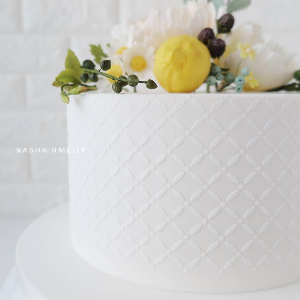 White textured fondant cake