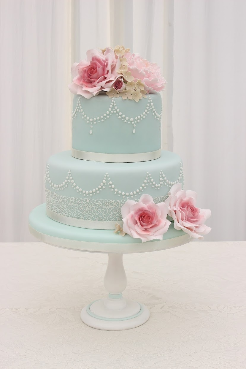 Turquoise wedding with sugar flowers