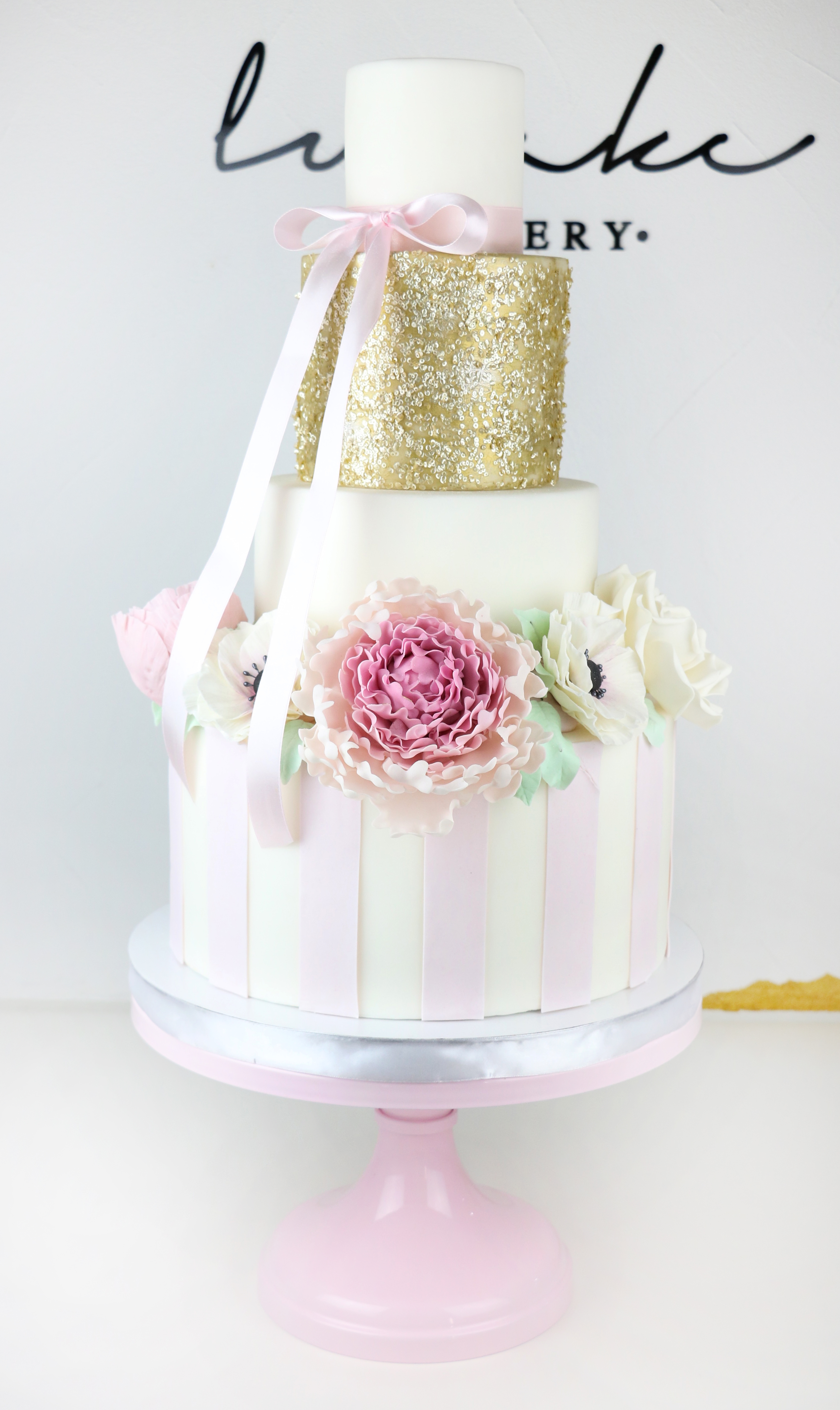 Gold sparkle and pink wedding