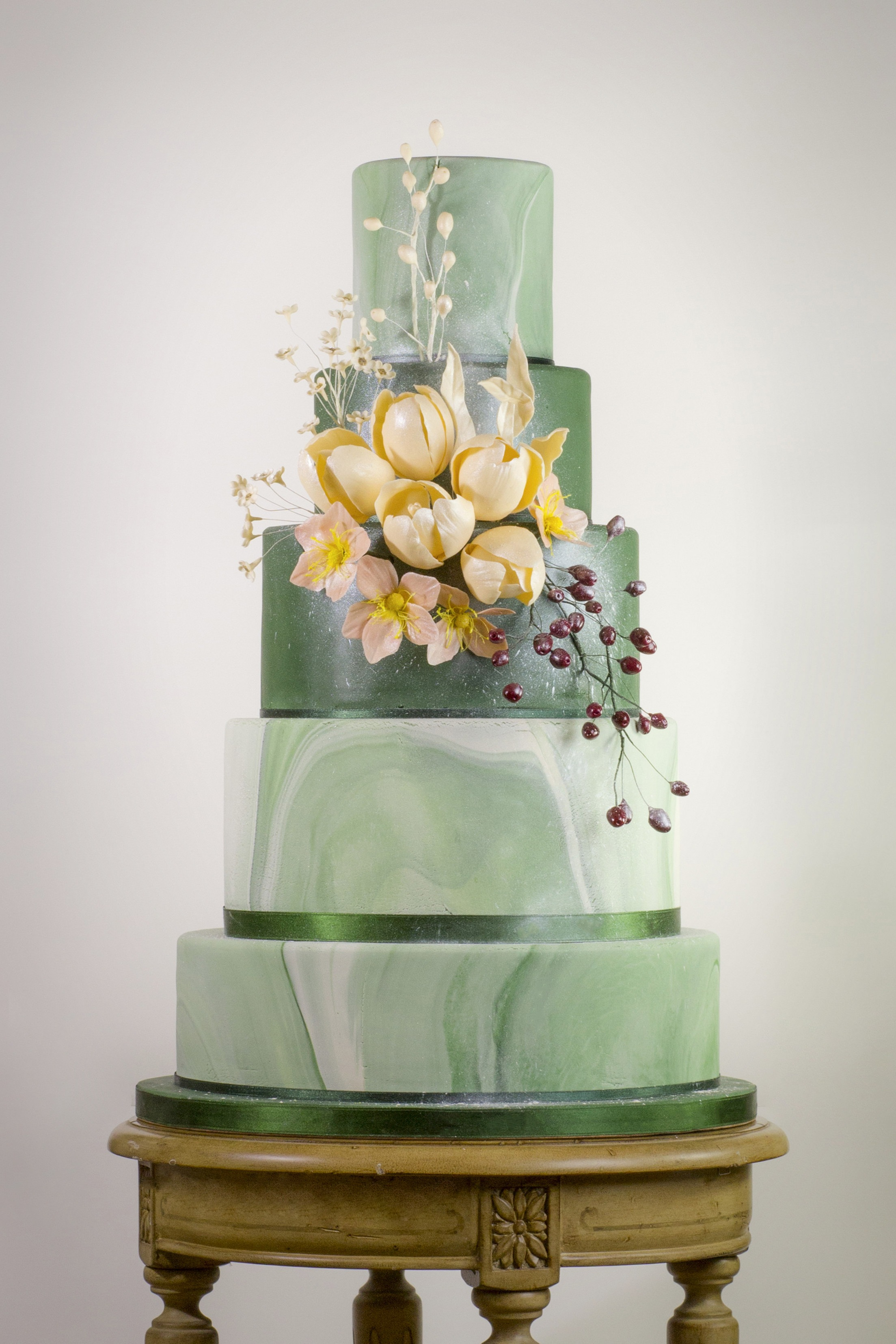 Green marbled wedding cake