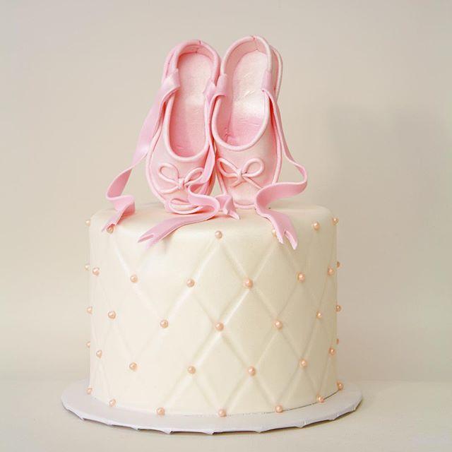 Ballerina fondant cake