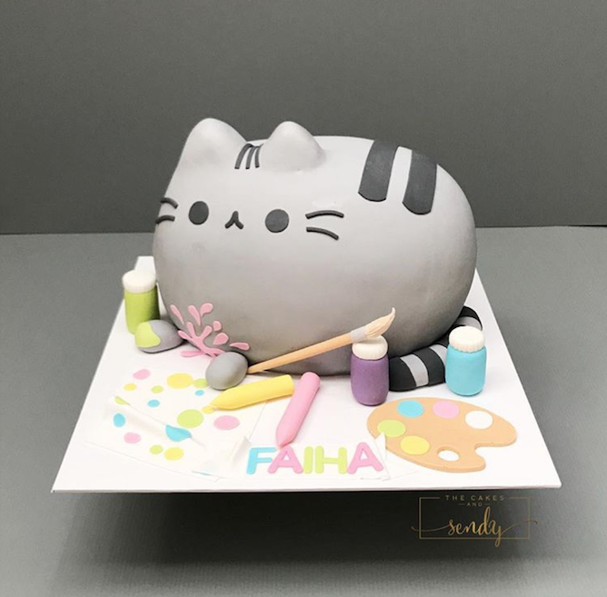 Pusheen fondant birthday cake