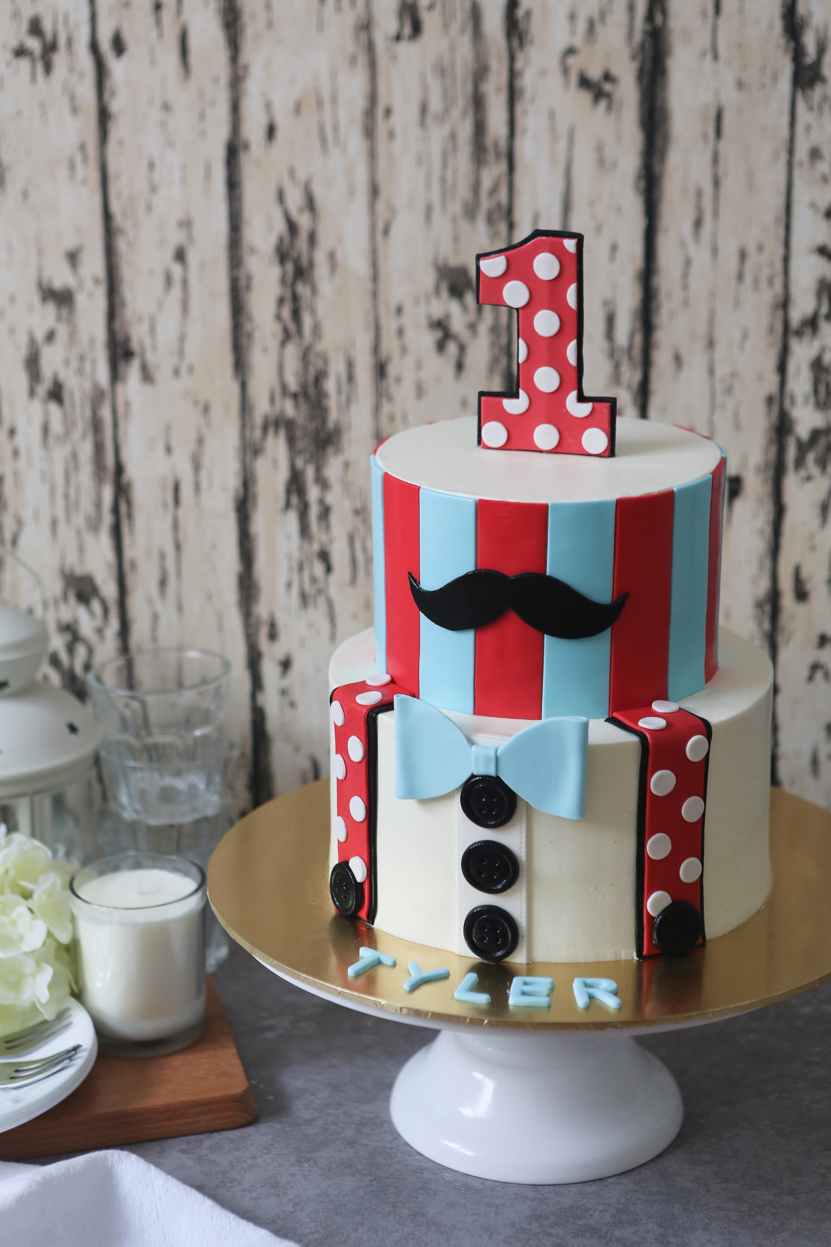 Mustache themed 1st birthday boy fondant cake