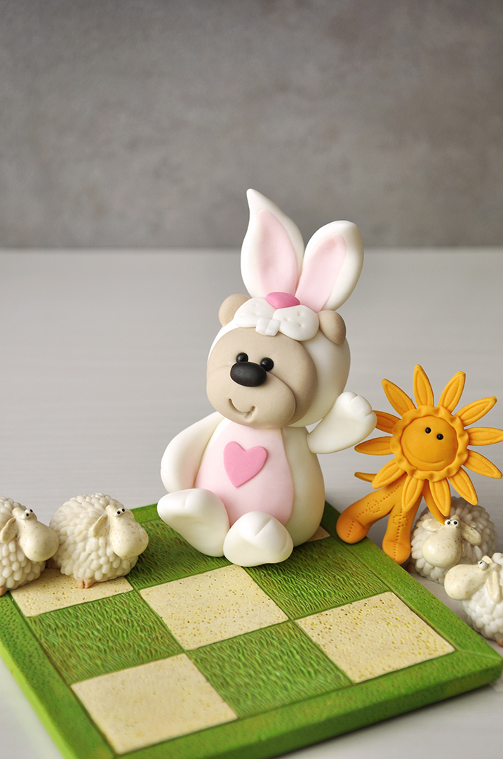 Mini Easter Bunny fondant figurine