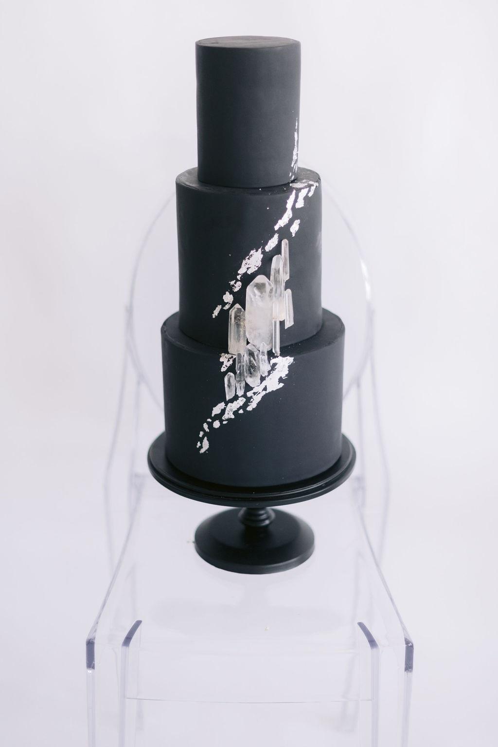 Spencer Trygve Cakes Chicago Wedding 8A