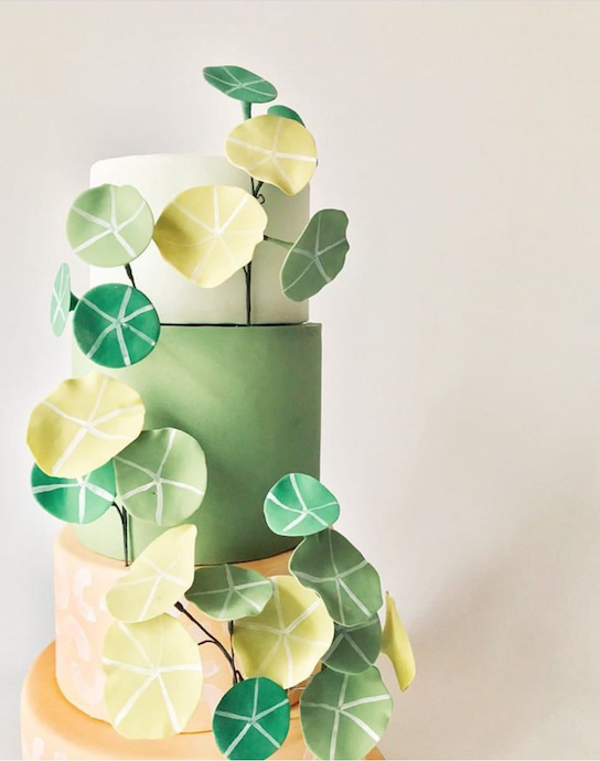 Lemon and lime colored wedding cake