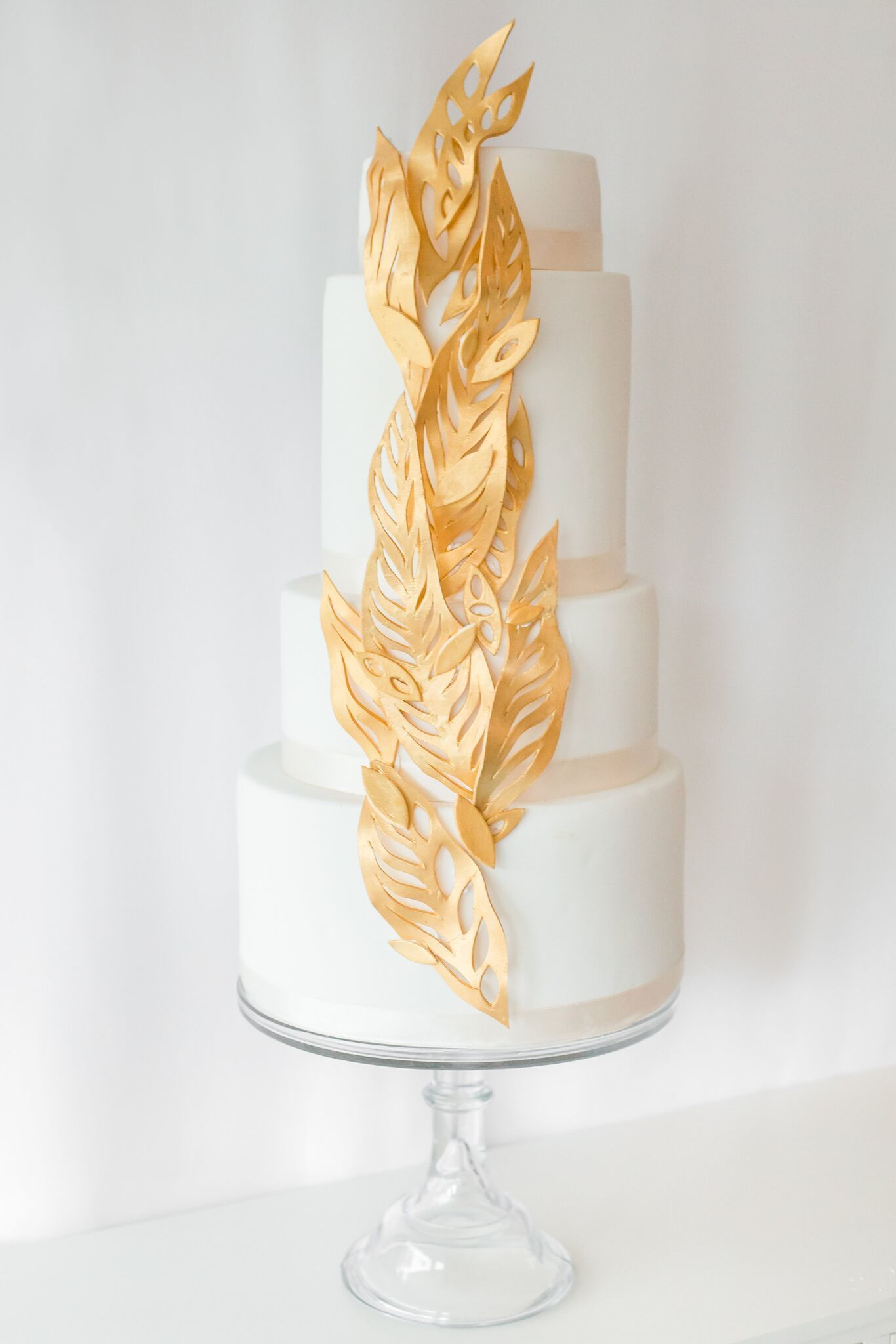 White with gold leaves
