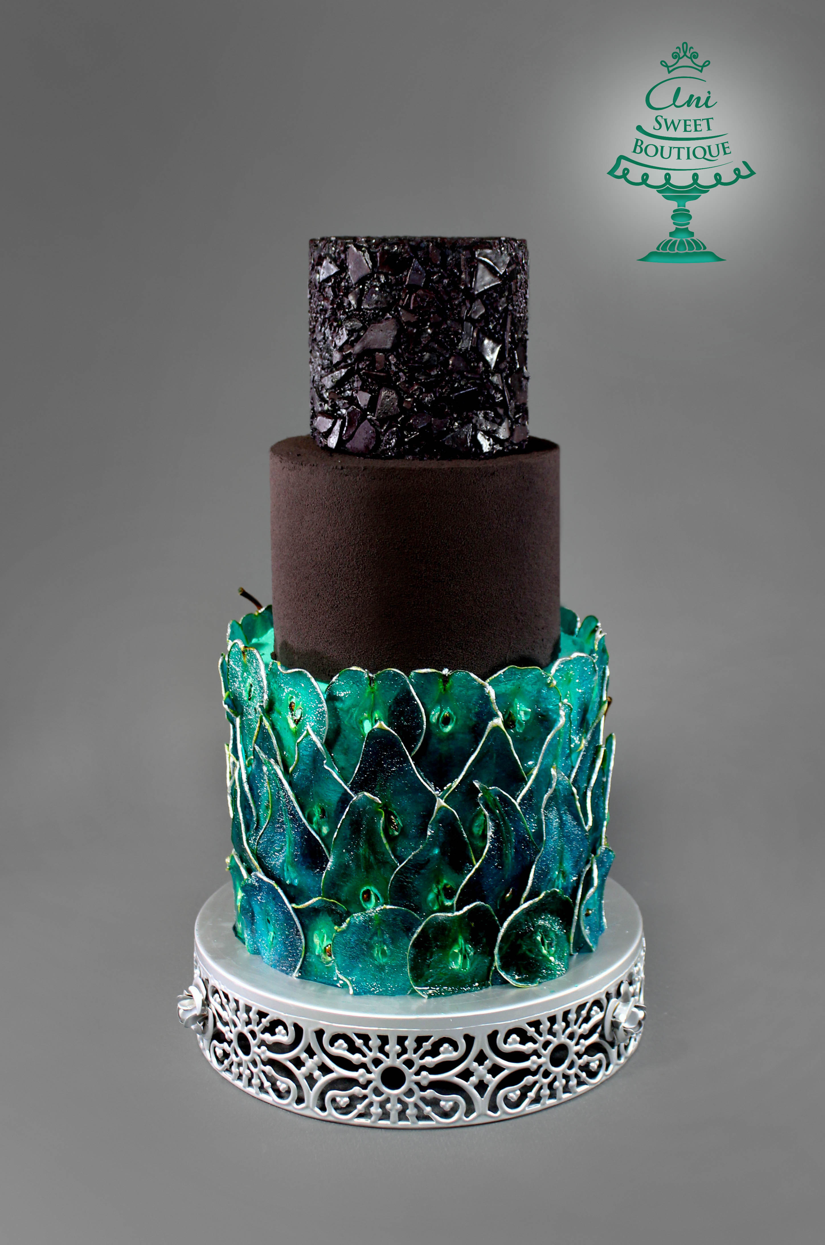 Peacock feather fondant wedding cake