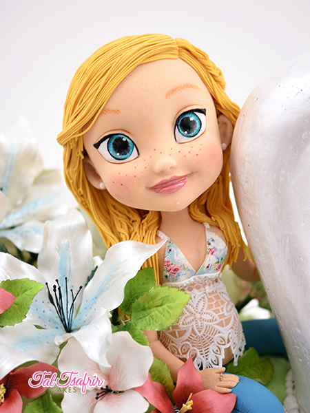 Blonde hair fondant figurine