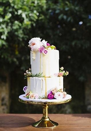 Ivory drip wedding with sugar flowers