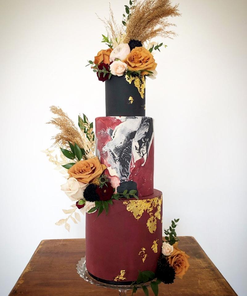 Burgundy Fall wedding cake