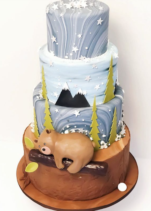 Fondant brown bear cake