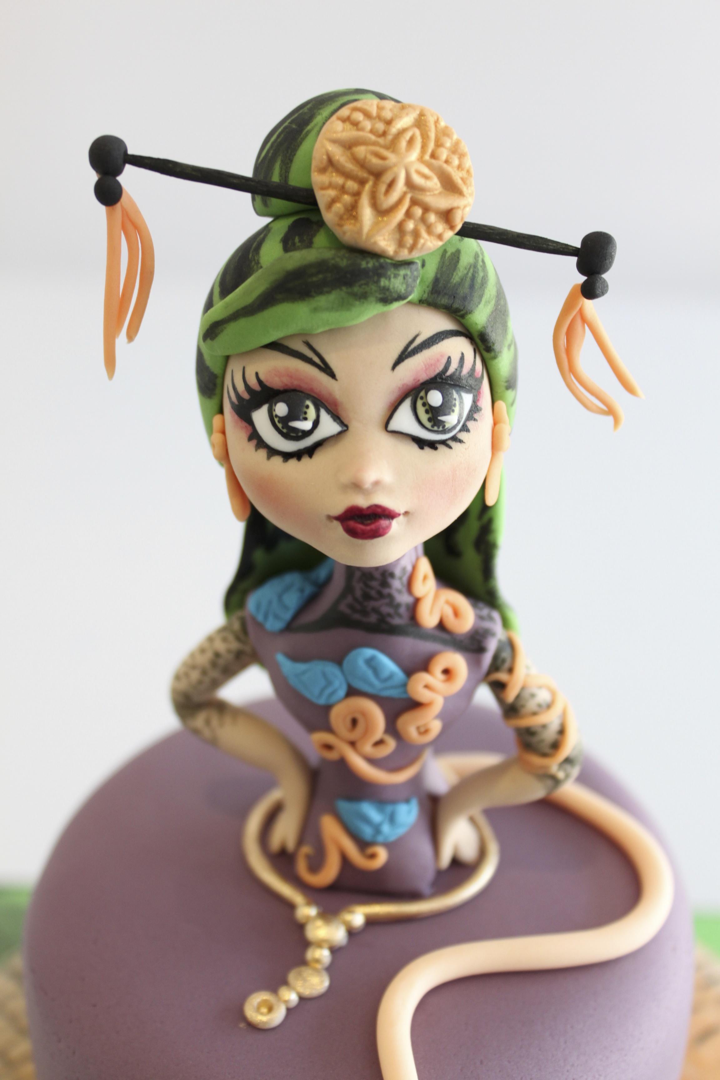 Geisha fondant figurine