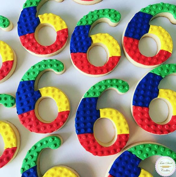 Lego fondant cookies