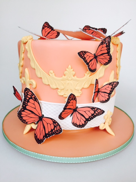 Mini peach cake with butterflies