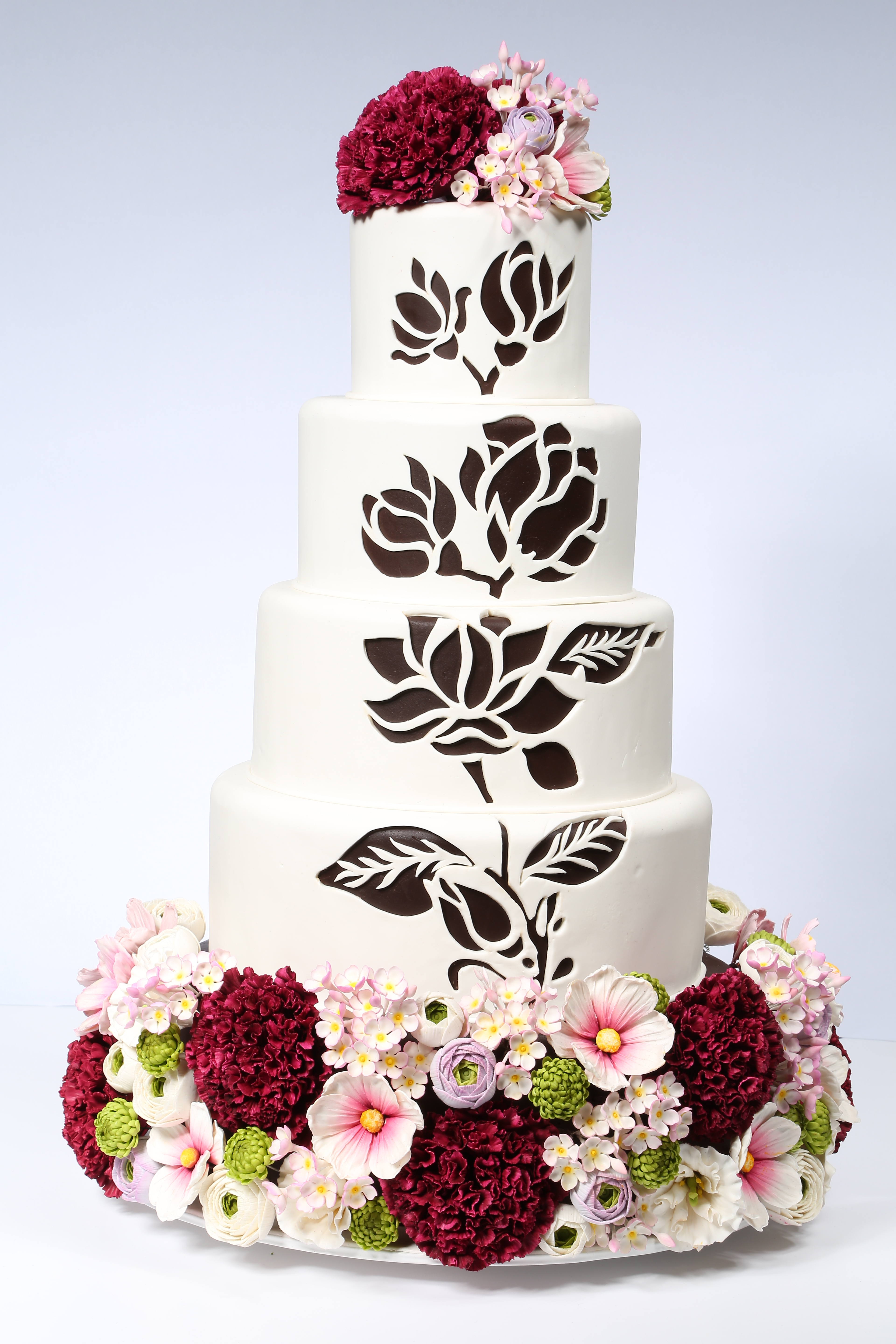 White and black stencil wedding cake