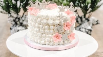 Winter snowflake buttercream cake
