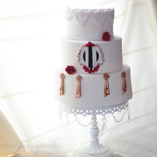 White with Broach parisian cake
