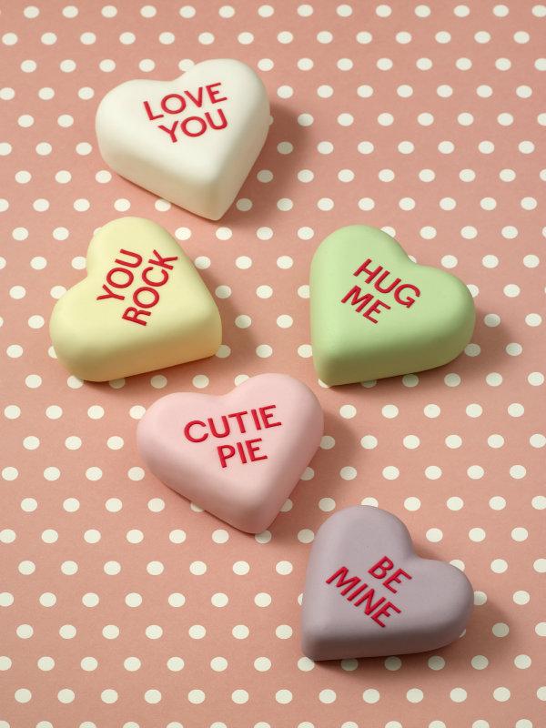 Fondant conversation heart cakes