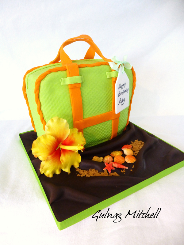 Sculpted Handbag fondant cake