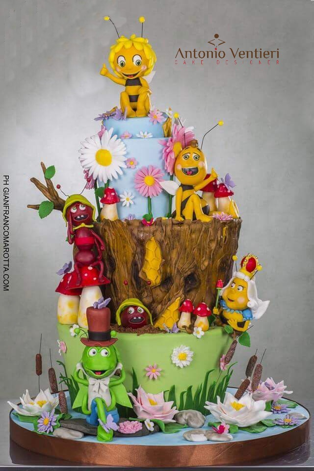 Maya the bee birthday cake