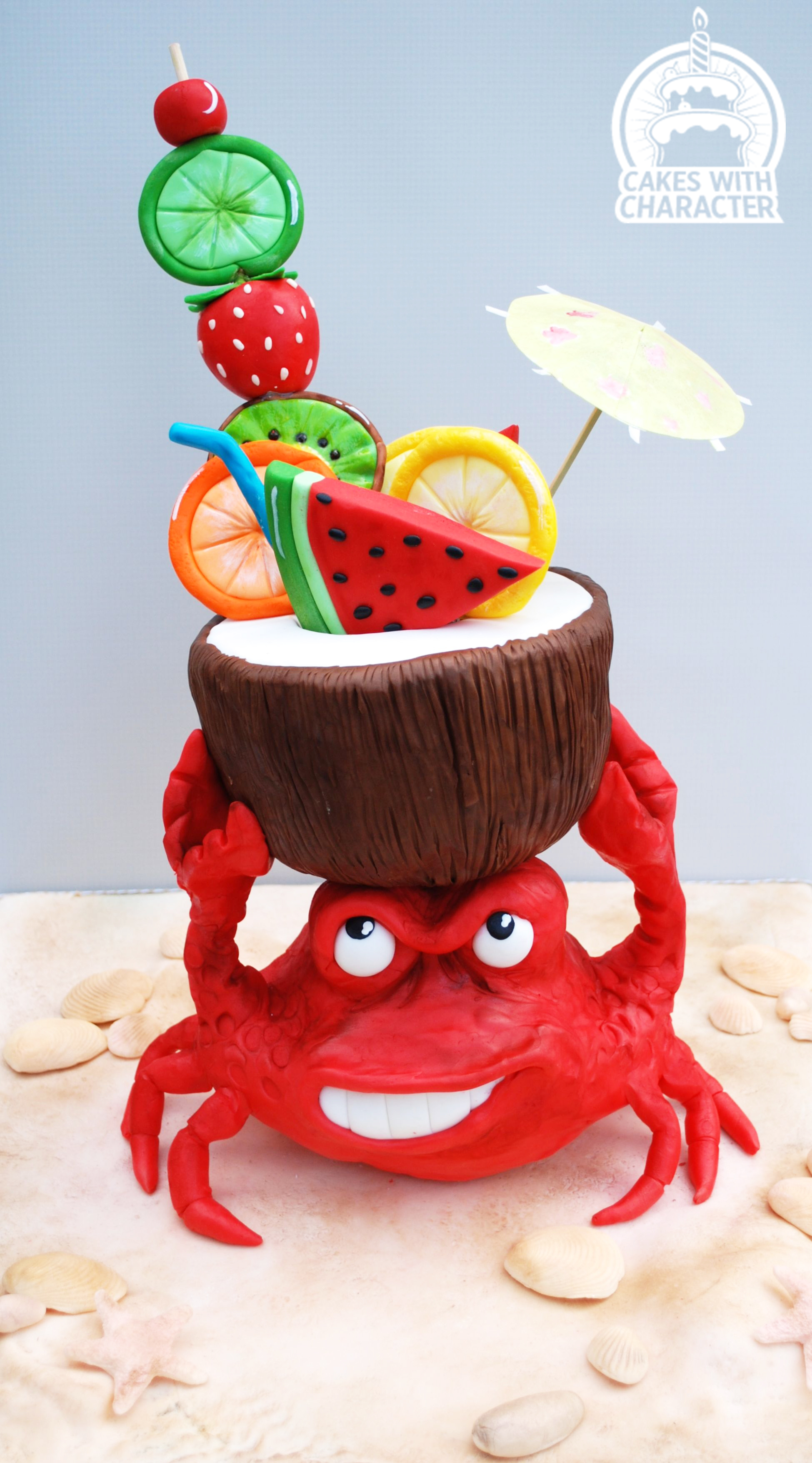 Fondant crab with coconut drink beach cake