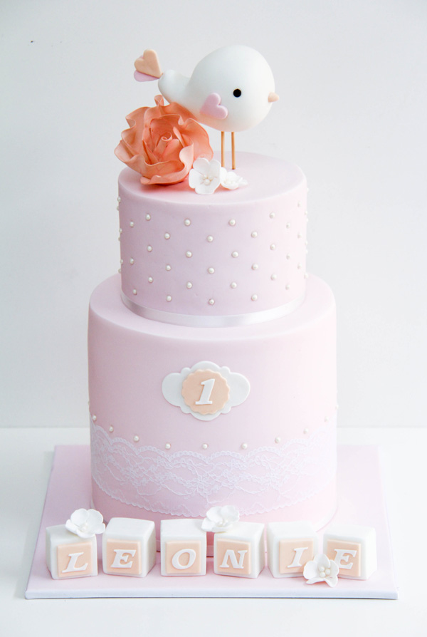 Baby bird light pink fondant cake