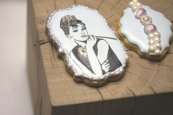 Breakfast at Tiffany's fondant cookie