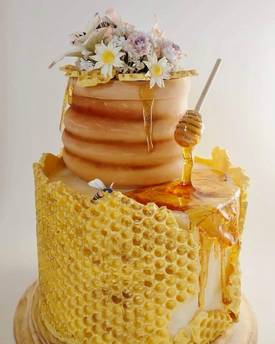 Honeycomb fondant cake