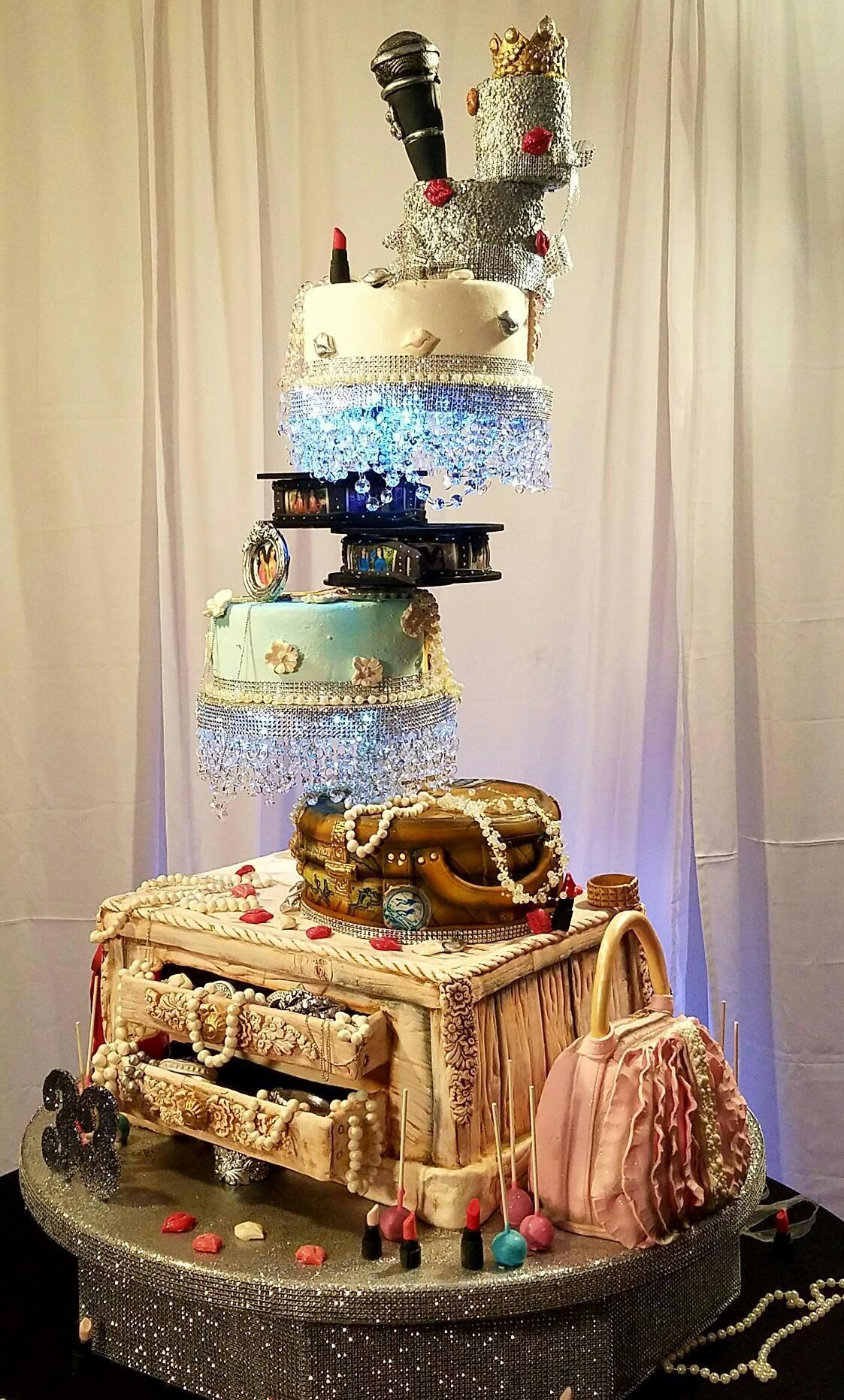 Topsy Turvy handbag themed cake