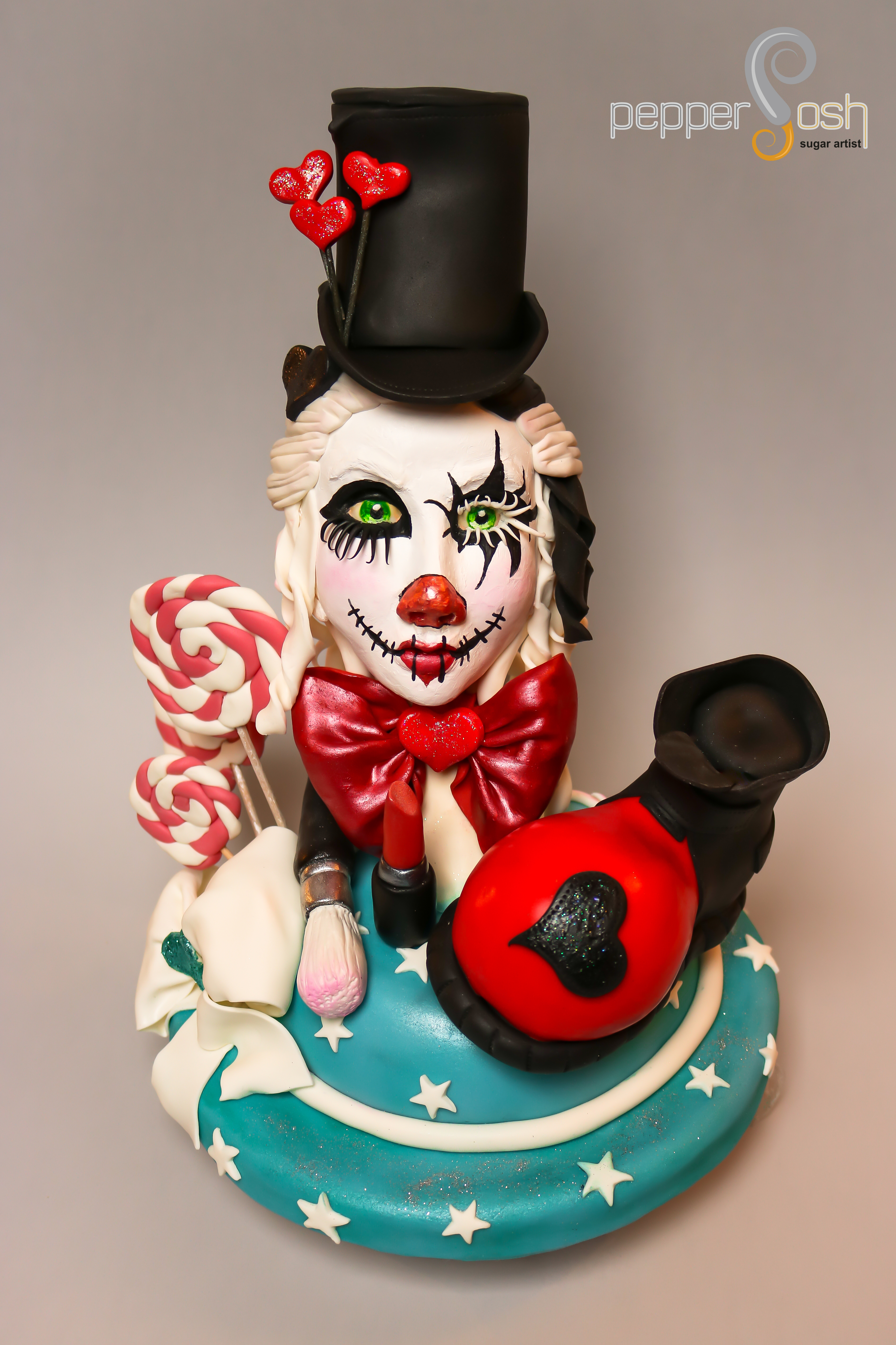 Circus clown bust cake