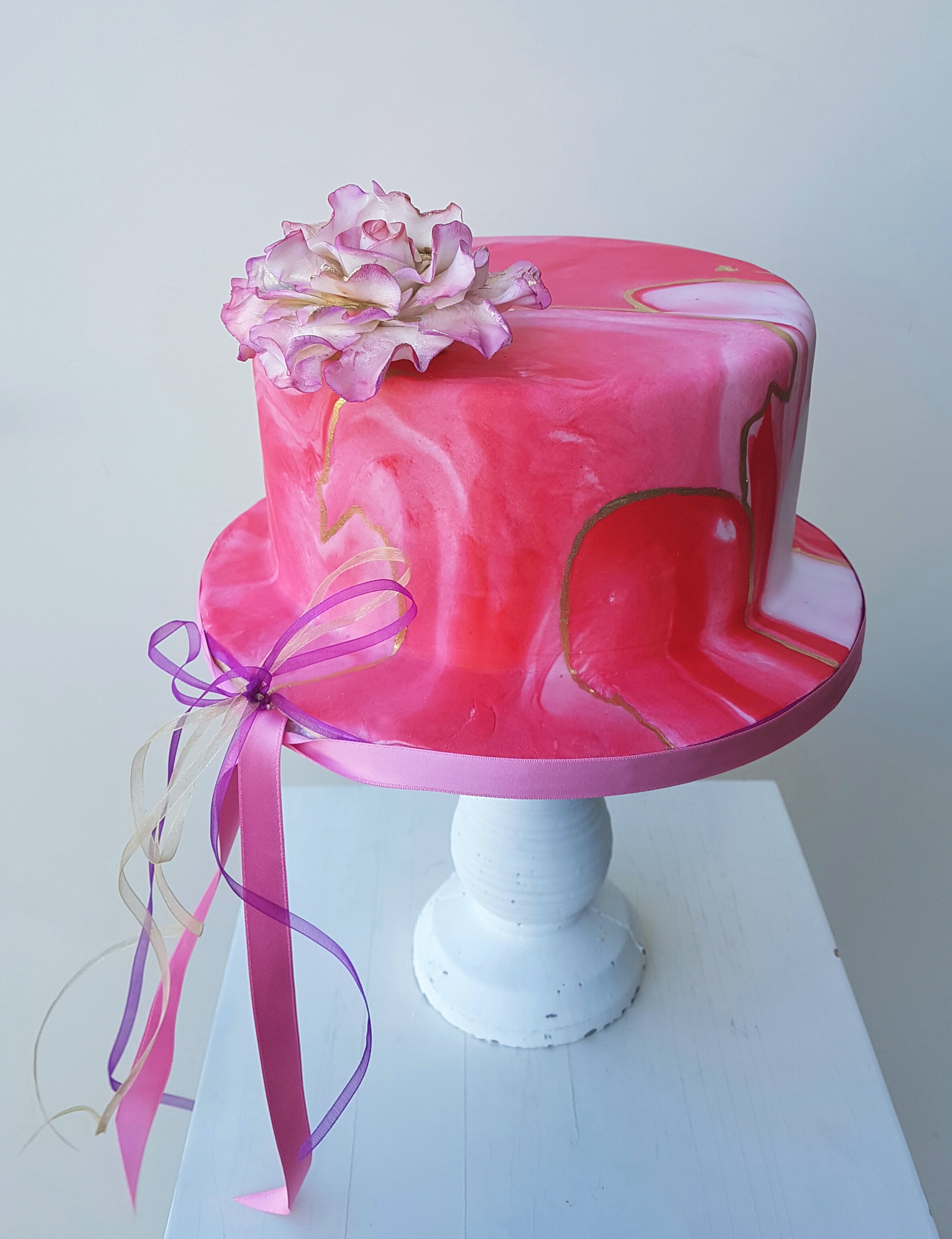 Mini pink marbled wedding