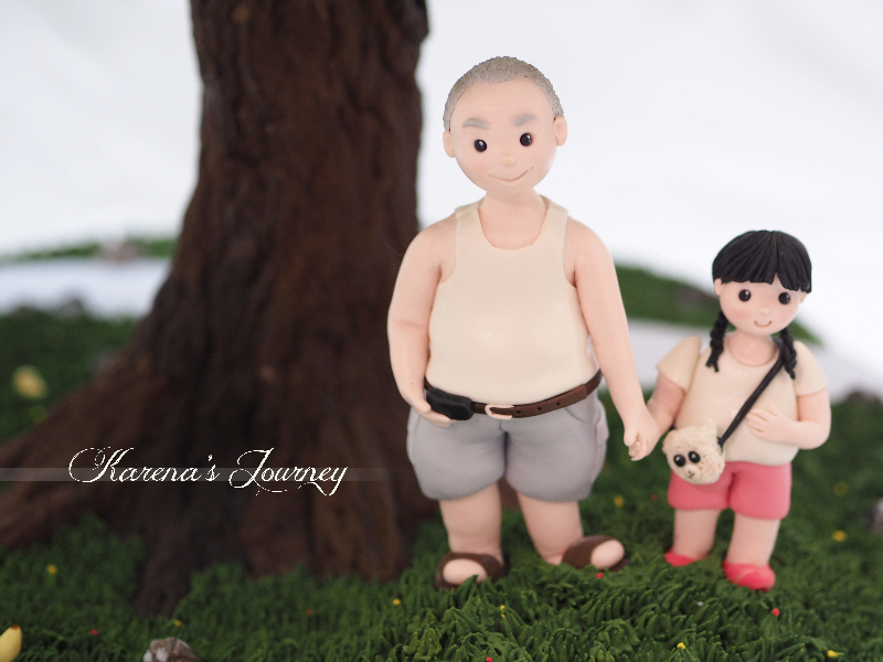 Sculpted dad and little girl