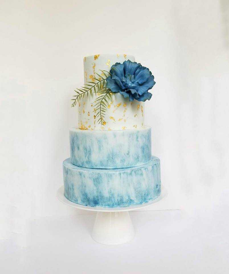 White with blue watercolor wedding cake