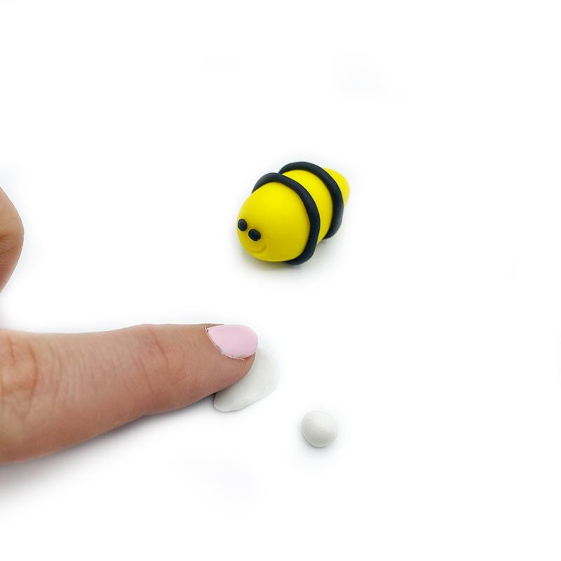 BumblebeeCupcake_7.jpg?mtime=20200421202817#asset:310815