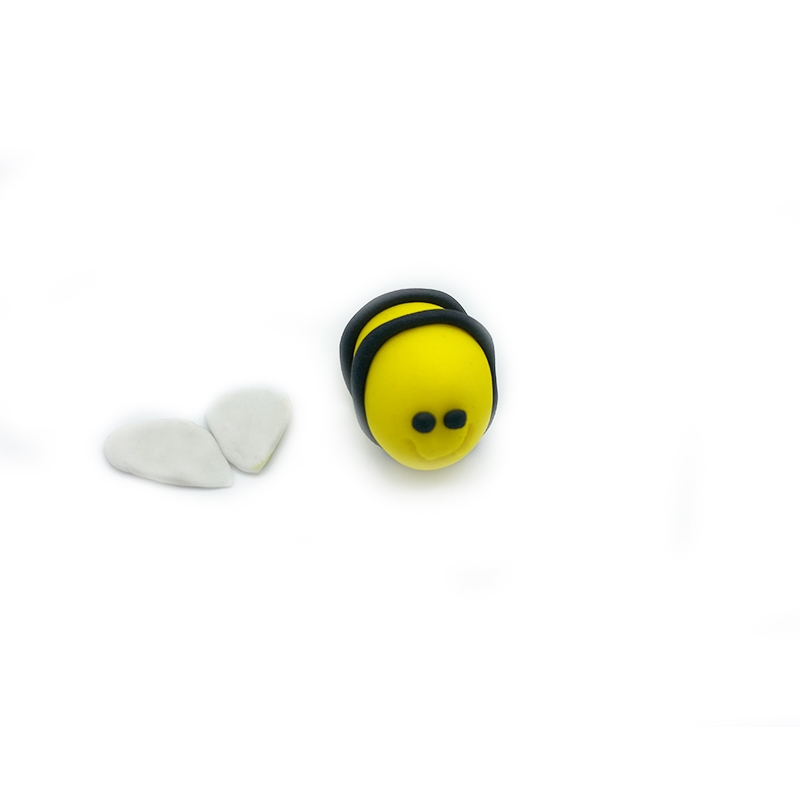 BumblebeeCupcake_8.jpg?mtime=20200421202819#asset:310816