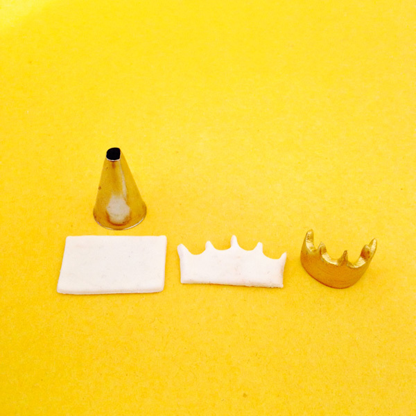 x-crown.jpg#asset:9444