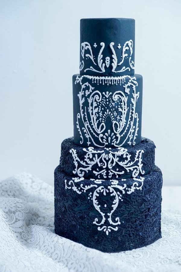 Finished-with-white-bottom-Lace-Wedding.jpg?mtime=20180601130119#asset:38101
