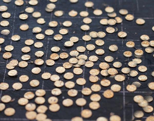 Gold-Confetti-4.jpg#asset:11110