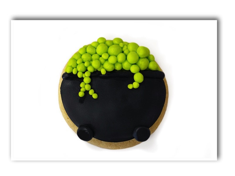 Halloween_Witch_Cookies_Cauldron_coomplete.jpg?mtime=20211011103131#asset:505012