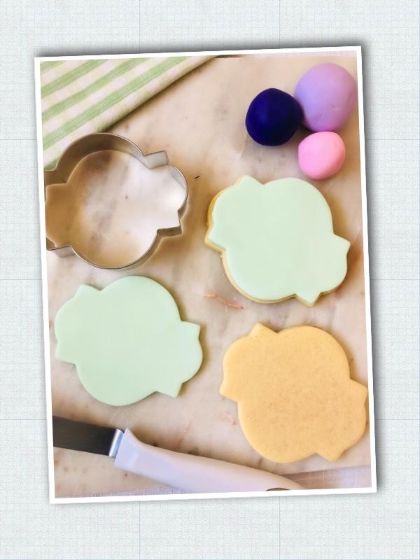 Lavendar_Hydrangea_Sweet-Sara-Cookies_Step-2.jpg?mtime=20210326123745#asset:423485
