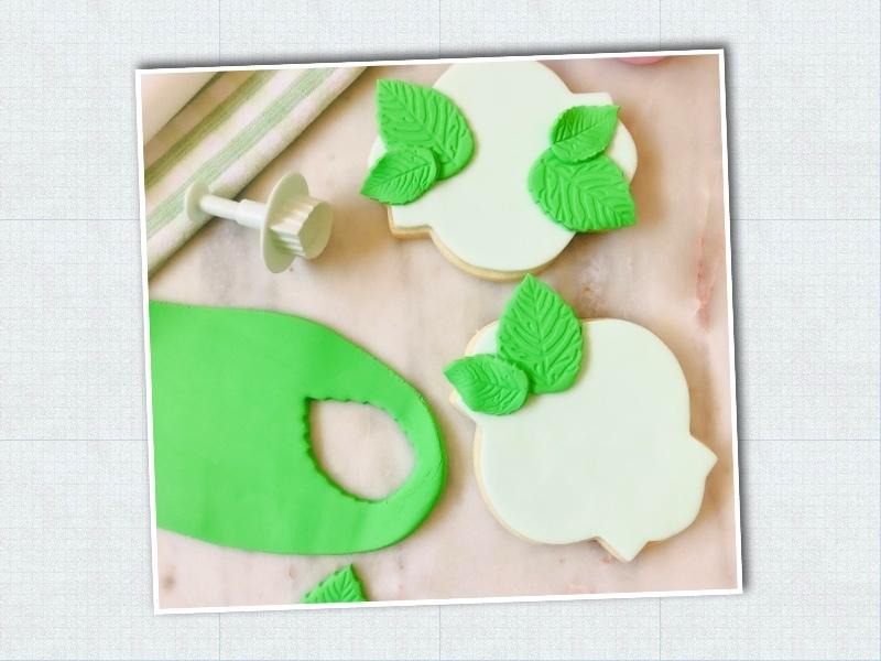 Lavendar_Hydrangea_Sweet-Sara-Cookies_Step-3.jpg?mtime=20210326123911#asset:423486