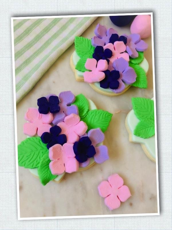 Lavendar_Hydrangea_Sweet-Sara-Cookies_Step-5.jpg?mtime=20210326124126#asset:423491
