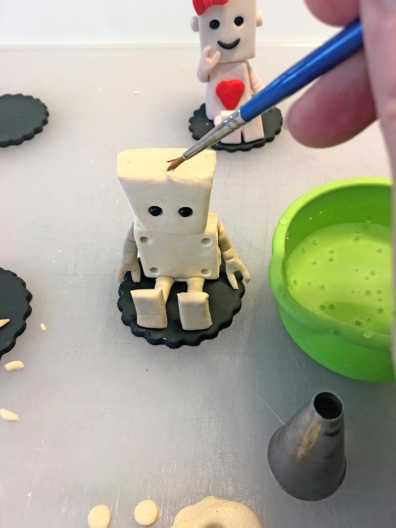Shimmer_Robot_Tutorial_jeanSchapowal_Step16_R.jpg?mtime=20190529125029#asset:186774