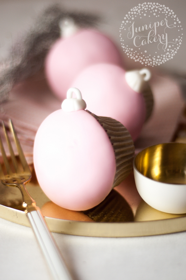 x-3-christmas-bauble-cupcakes-tutorial-juniper-cakery-4.jpg#asset:4355