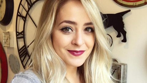 Profile photo of FleurDeForce, a youtube makeup and beauty guru