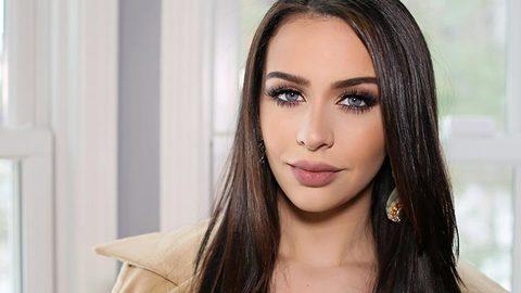 Profile photo of CarliBel55, a youtube makeup and beauty guru