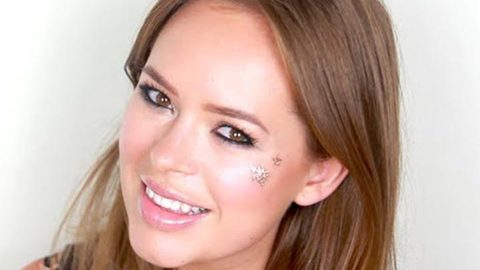 Profile photo of pixi2woo, a youtube makeup and beauty guru