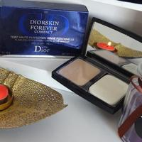 Dior Diorskin Forever Compact Flawless Perfection Fusion Wear Makeup SPF 25 Swatch